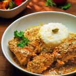 Huhn in Joghurt-Koriandersoße - Dhania Chicken