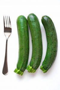 Größenvergleich Zucchini