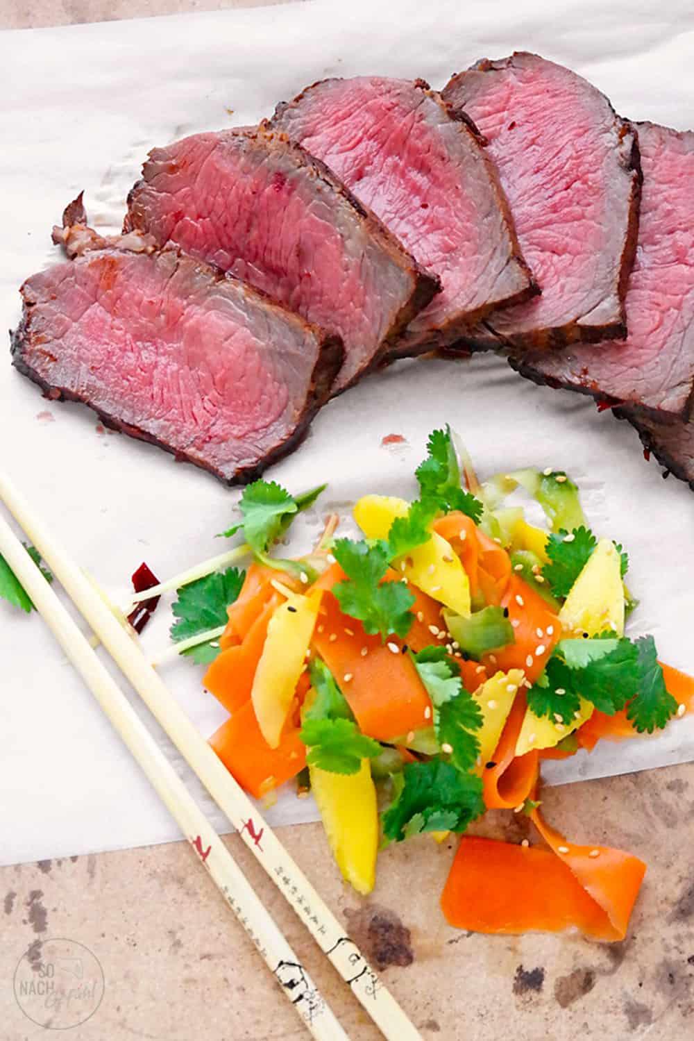 Roastbeef mit Gurken-Möhren-Kimchi