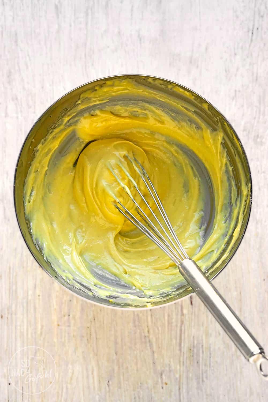 selbst gemachte Mayonnaise mit Ei
