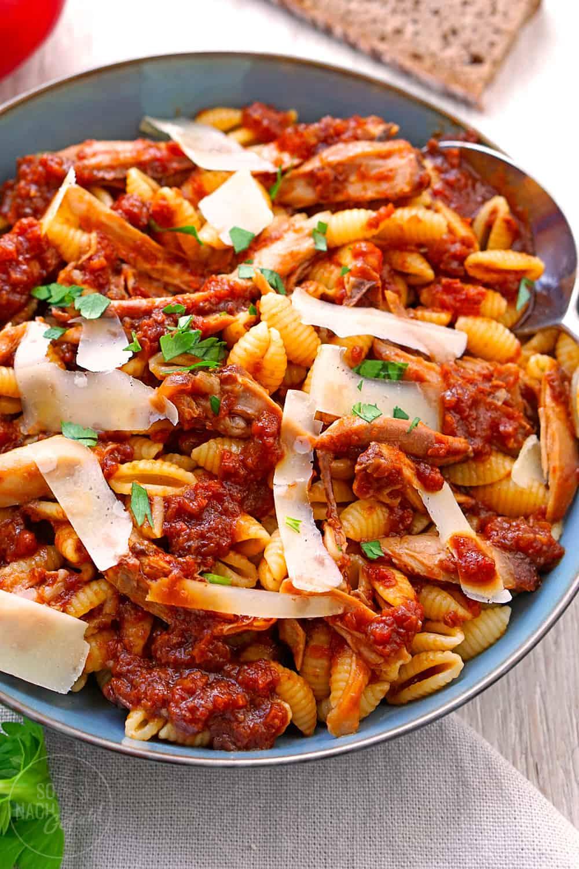 Gnocchetti Sardi mit Hühner-Ragout