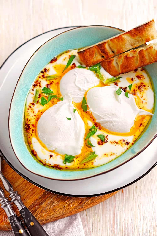 Çılbır – Pochierte Eier auf erfrischendem Joghurt