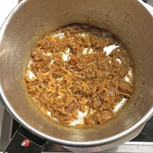 Zwiebeln karamellisieren 4. Stunde